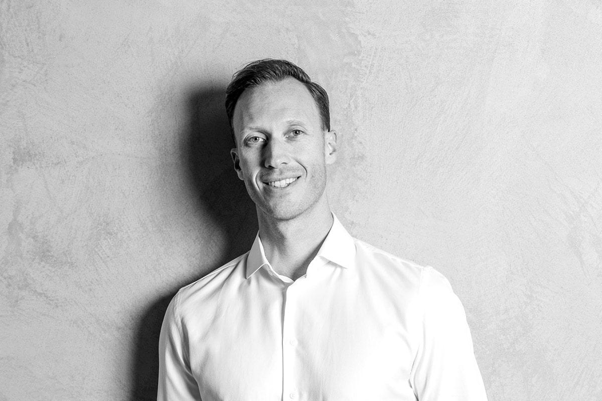 Dr. Bastian Kern von Kern Steck Implantologie und Dentalchirurgie in Waiblingen